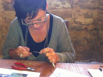 creatieve-vakantie-frankrijk-workshop-zilveren-sieraad-maken-art-clay-silver-9
