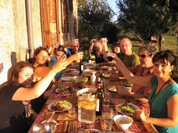 creatieve-vakantie-frankrijk-workshops-frankrijk-eten-in-de-boomgaard
