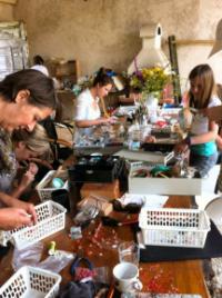 creatieve-vakantie-workshop-frankrijk-edelstenen-sieraden-maken-week-5-8-2012-3