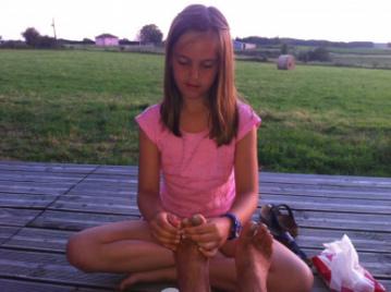 creatieve-vakantie-workshop-frankrijk-emma-masseert-voor-2-euro-per-kwartier-5-8-2012-20