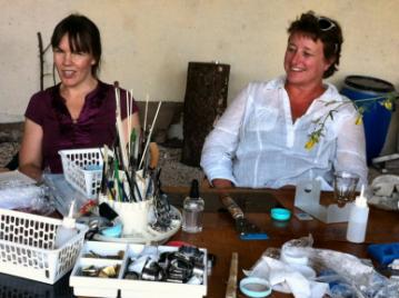 creatieve-vakantie-workshop-frankrijk-gezellig-aan-de-workshoptafel-5-8-2012-2