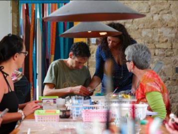 creatieve-vakantie-frankrijk-edelsteen-sieraden-maken
