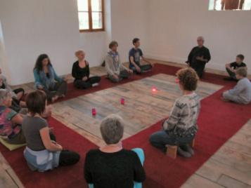 creatieve-vakantie-frankrijk-mediteren-in-de-stiltekapel