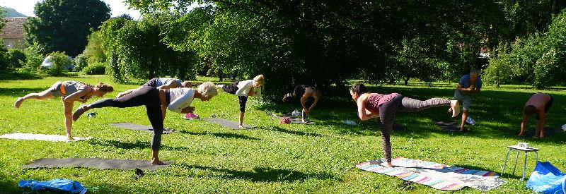 Yoga vakantie Yin Yang Yoga vakantie in de chateautuin